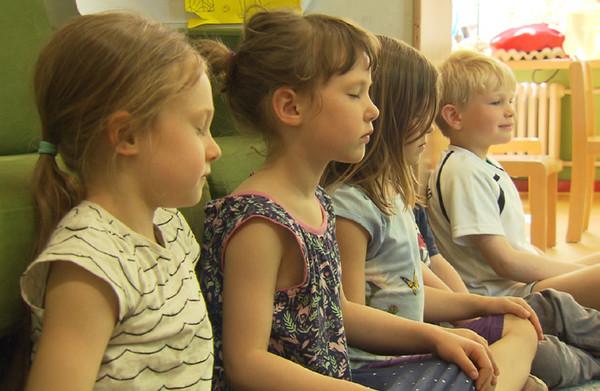 Schule der Achtsamkeit © A. Krug-Metzinger Filmproduktion GmbH